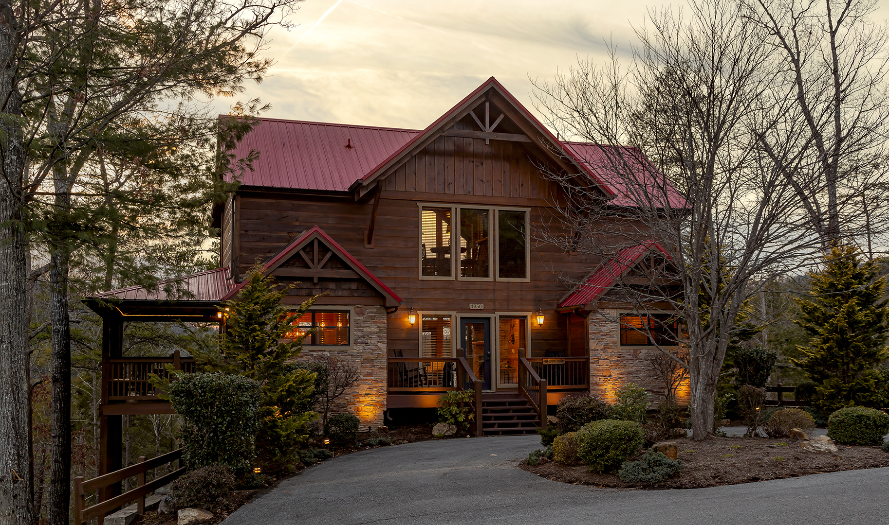 in a forge of rentals luxury tennessee chalet cabin rental cabins dreams pigeon with bedroom